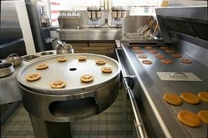 La prima postazione cucina McDonald's